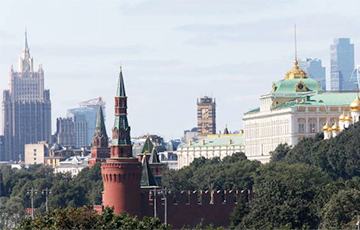 Путинская Россия нищеты, дворцов и золотых унитазов
