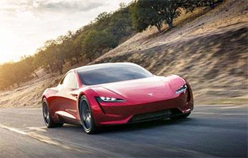 1,1 секунда до 100 км/ч: Илон Маск обещает, что Tesla Roadster будет настоящей ракетой