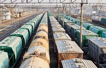 Украинская железная дорога запретила перевозку белорусских грузов в российских вагонах