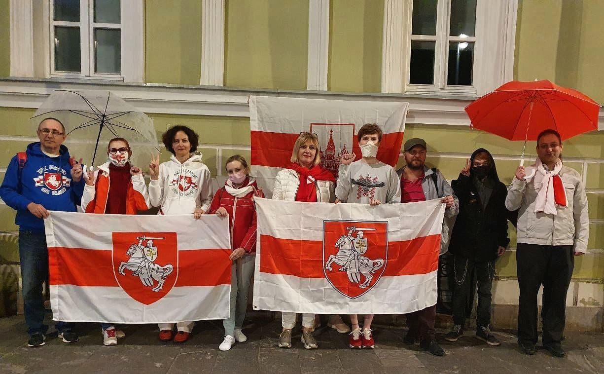 Белорусы вышли на акции протеста5