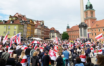 Solidarity Rallies With Belarus Are Held From Australia To Canada