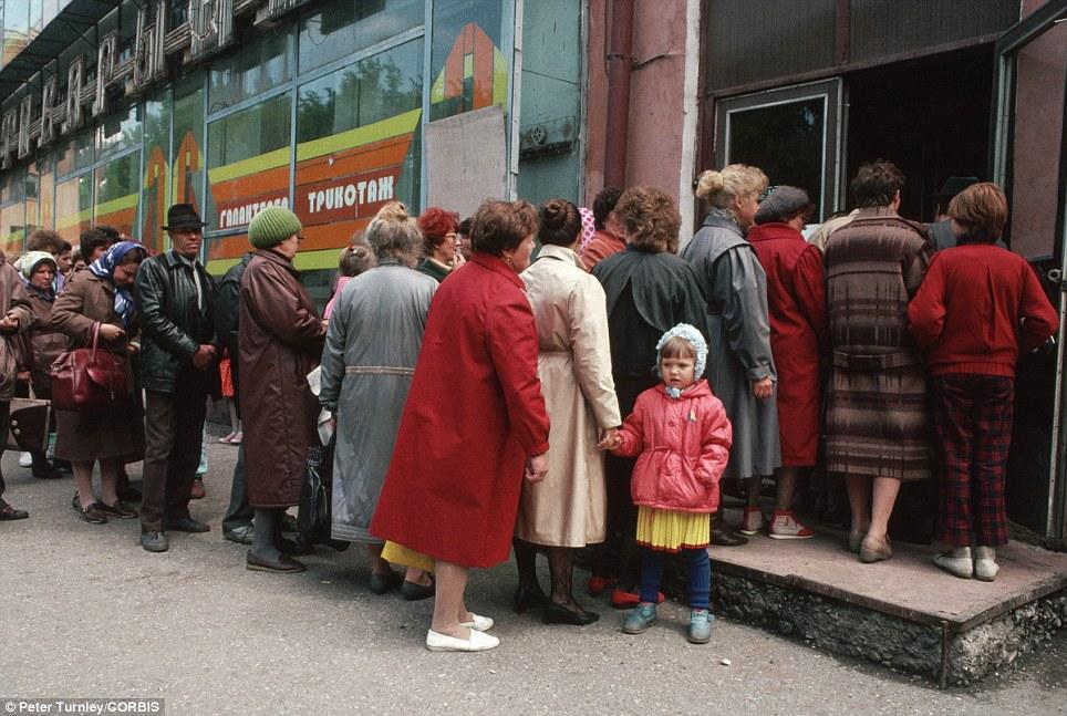 Советская серость и мода протеста3