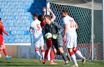 Матч молодежных сборных Беларуси и Кипра перенесен из-за запрета на авиаперелеты0