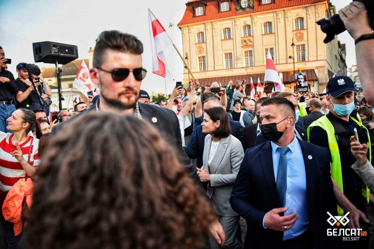 Сотни белорусов собрались в центре Варшавы3