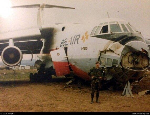 У 1990-я ў небе ляталі беларускія бел-чырвона-белыя самалёты3