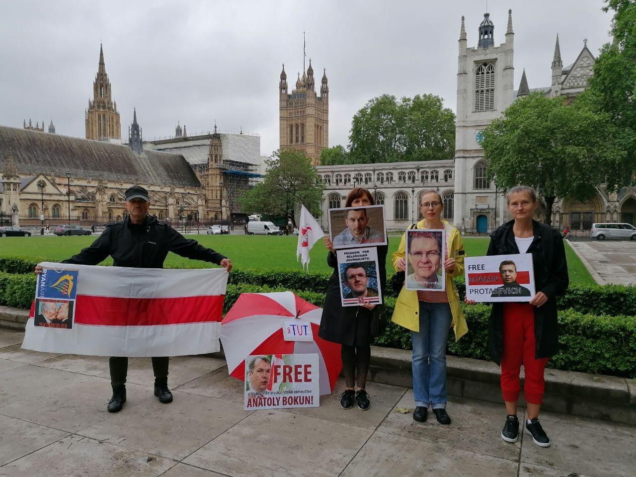 Акции в поддержку свободной Беларуси прошли по всему миру4