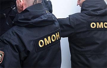 NEXTA: В Осиповичах ОМОНовец убил военного комиссара