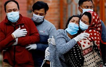 Индия обновила мировой рекорд по количеству смертей от коронавируса в сутки
