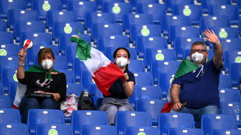 Легендарные Франческо Тотти и Алессандро Неста приняли участие в церемонии открытия чемпионата Европы-20203