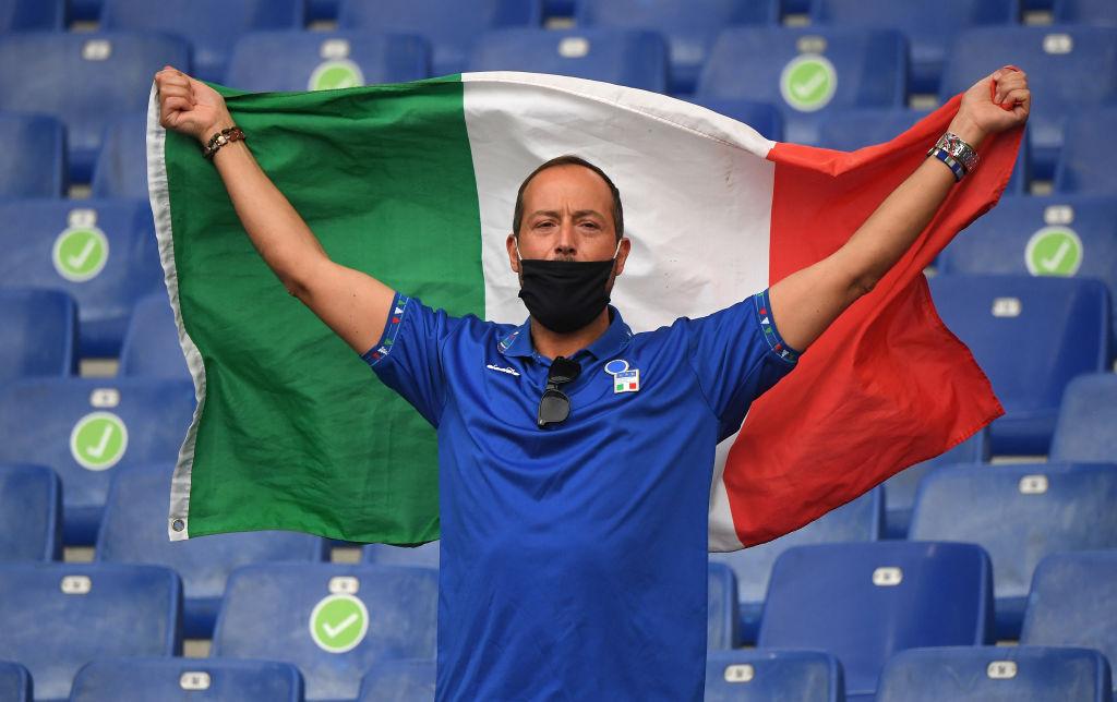 Легендарные Франческо Тотти и Алессандро Неста приняли участие в церемонии открытия чемпионата Европы-20202
