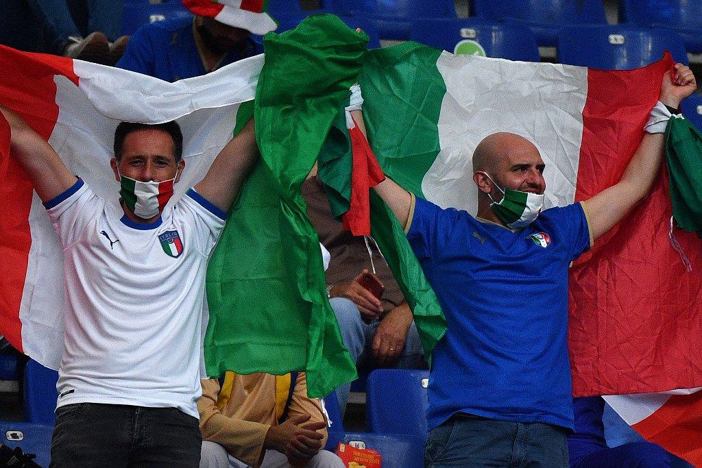Легендарные Франческо Тотти и Алессандро Неста приняли участие в церемонии открытия чемпионата Европы-20204