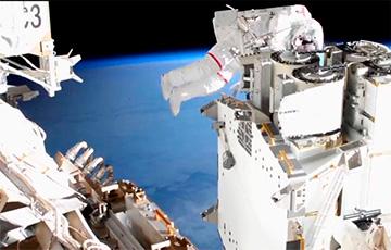 Как астронавты в открытом космосе модернизировали МКС