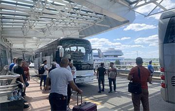 Кто прилетел в Минск в огромном «Боинге» из Багдада