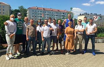 Свободные спортсмены пришли поддержать главного тренера гандбольного «Витязя» Константина Яковлева