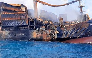 У берегов Шри-Ланки затонуло судно с химикатами
