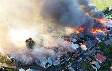 Видеофакт: В польской деревне сгорело сразу 44 здания