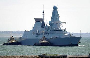 Guardian рассказала, кто мог потерять на остановке секретные документы о британском эсминце