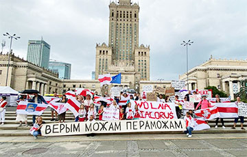 Белорусская диаспора вышла на традиционные воскресные акции0