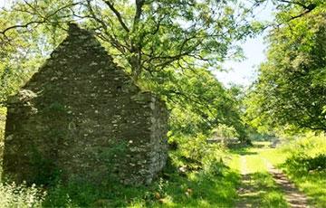 В Шотландии выставили на продажу заброшенную деревню с привидением0