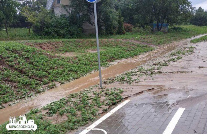 Возле нового автомобильного моста в Гродно провалился участок дороги4