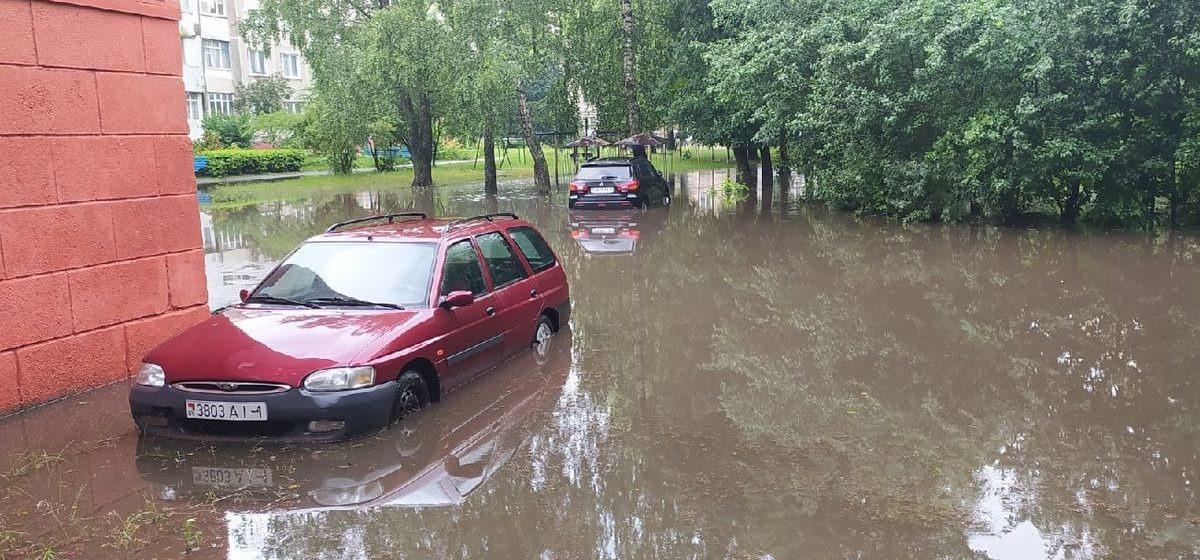 Ливень превратил улицы Барановичей в реки, а перекрестки — в озера4