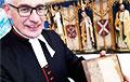 В библиотеку английского собора вернули книгу, которую взяли почитать более чем 300 лет назад