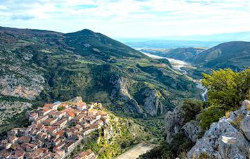 Итальянская Калабрия предлагает €28 тысяч за переезд в местные деревни