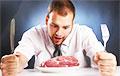 Названа нелепая причина, по которой мужчины так любят есть мясо