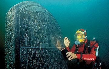В затерянном под водой древнеегипетском  городе нашли необычный корабль