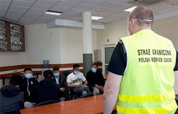 Polish Border Guards Detained 53 Illegal Immigrants at the Border with Belarus