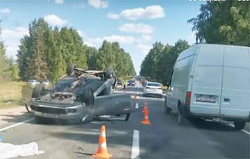 Каля Докшыцаў адбылася сур'ёзная аварыя: Відэа