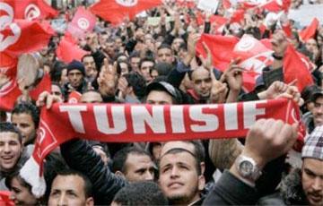 В Тунисе вспыхнули протесты с требованием роспуска парламента