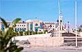 Ваенная тэхніка прыбыла да будынка парламента Туніса і атачыла яго