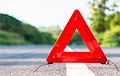 В Копыле Renault протаранил и опрокинул милицейский Geely