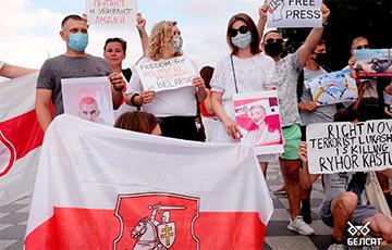 Как в Батуми каждое воскресенье проходят акции солидарности с народом Беларуси