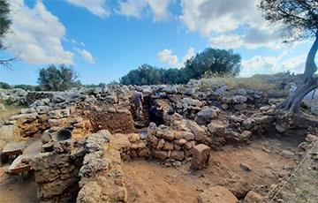 На Балеарских островах нашли жертвенный склад оружия древних римлян