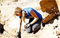 Археологи обнаружили золотое ожерелье, которое было утеряно 1600 лет назад