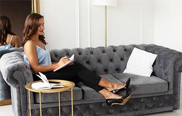 Диетолог рассказала, как похудеть, не вставая с дивана