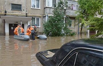 В оккупированном Крыму затопило Керчь: видеофакт
