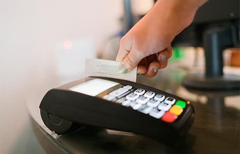 Mastercard прекратит выпускать карты с магнитной полосой
