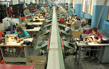 Baranavichy Shoe Factory Administration Pushes Workers to Strike