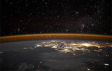 Астронавт сделал удивительный снимок Земли с необычного ракурса