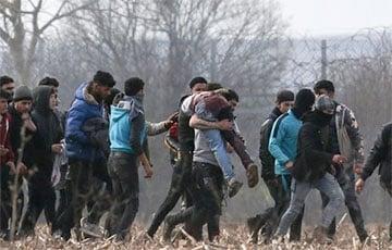 Сотни нелегальных мигрантов продолжают штурмовать границы стран ЕС с территории Беларуси