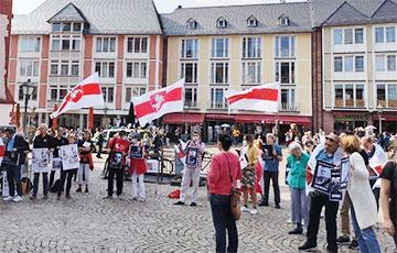 В Германии на акцию в поддержку белорусов вышли политики ведущих партий