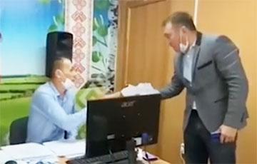 Выборы в России: в Чувашии председатель комиссии съел документ о досрочном голосовании