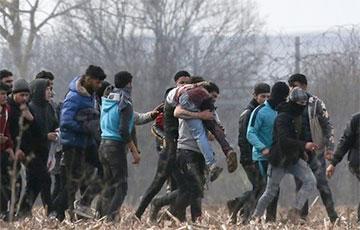 У Польшчы з балота ля мяжы з Беларуссю выратавалі восем мігрантаў