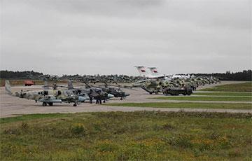 Над Минском заметили военные вертолеты