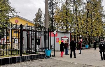 Стрельба в Перми: перед нападением на вуз стрелок открыл огонь по автомобилю