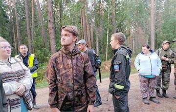 Трое друзей-подростков из Нового двора потерялись в том же лесу, что и Максим Мархалюк в 2017 году
