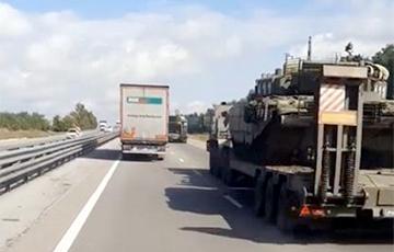 Огромные колонны военной техники РФ движутся к Крыму и украинской границе